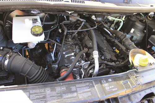 6278_Renault Master Single Cab Chassis Engine