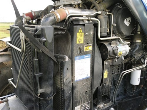 New Holland T6080 Elite Tractor Engine
