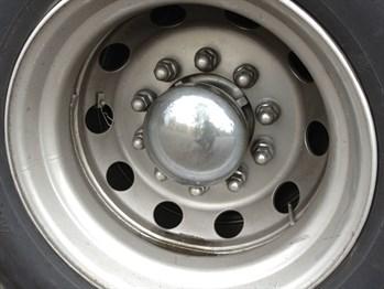 10-stud disc wheel