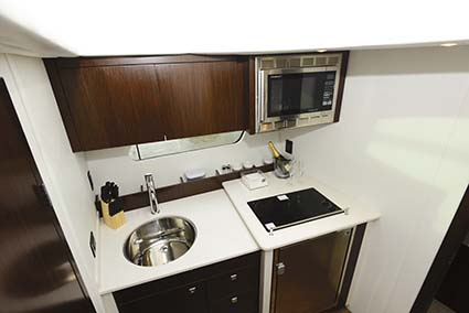 CRUISERS YACHTS 41 CANTIUS GALLEY