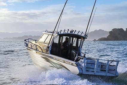 MCLAY CRUISER HARDTOP 781 FISHING BOAT