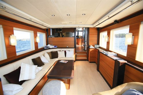 Outer Reef Yachts 630 saloon
