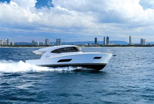 Riviera 515 SUV on-water performance