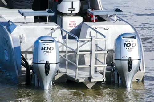 Twin Hondas engines on Bladerunner boat